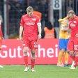 Damir Kreilach, Felix Kroos, Toni Leistner (v.l.) und die Enttäuschung nach der Pleite von Braunschweig