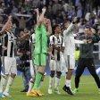 Die Spieler von Juventus jubeln nach ihrem Sieg und dem Einzug ins Champions-League-Finale