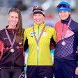 Siegerlächeln in Stavanger: Claudia Pechstein (M.) strahlt