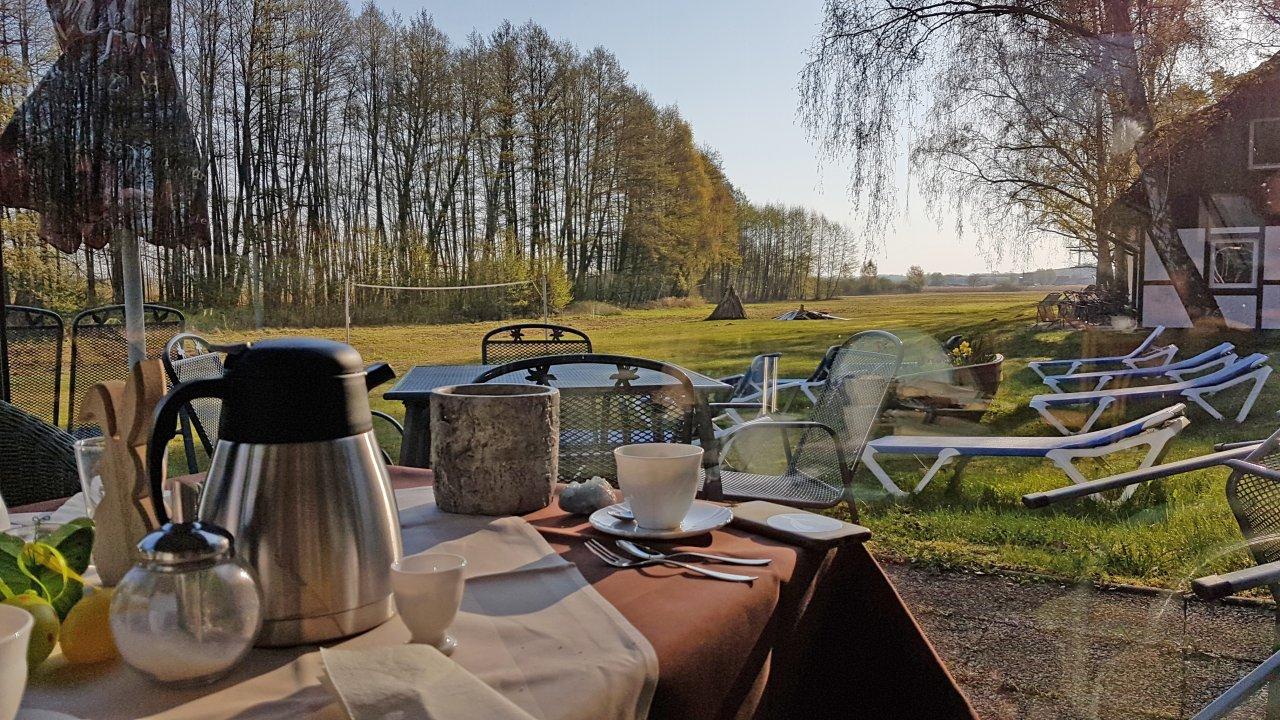 Vor dem Start: idyllisches Frühstück in der Schorfheide.