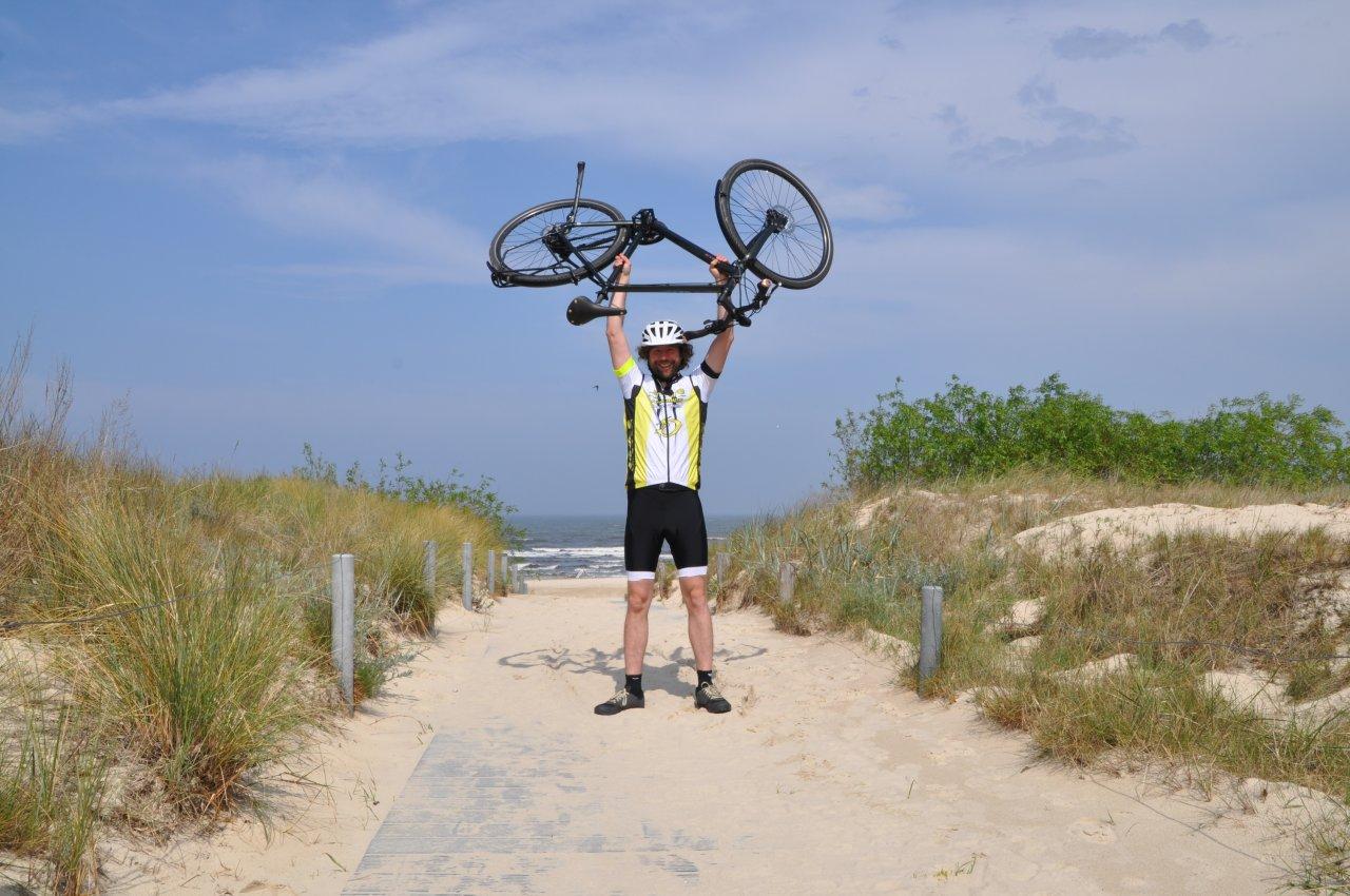 Am Ziel: Redakteur Martin Hildebrandt im Strandglück auf Usedom.