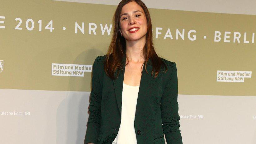 Die Schauspielerin Aylin Tezel, bekannt aus dem Dortmunder