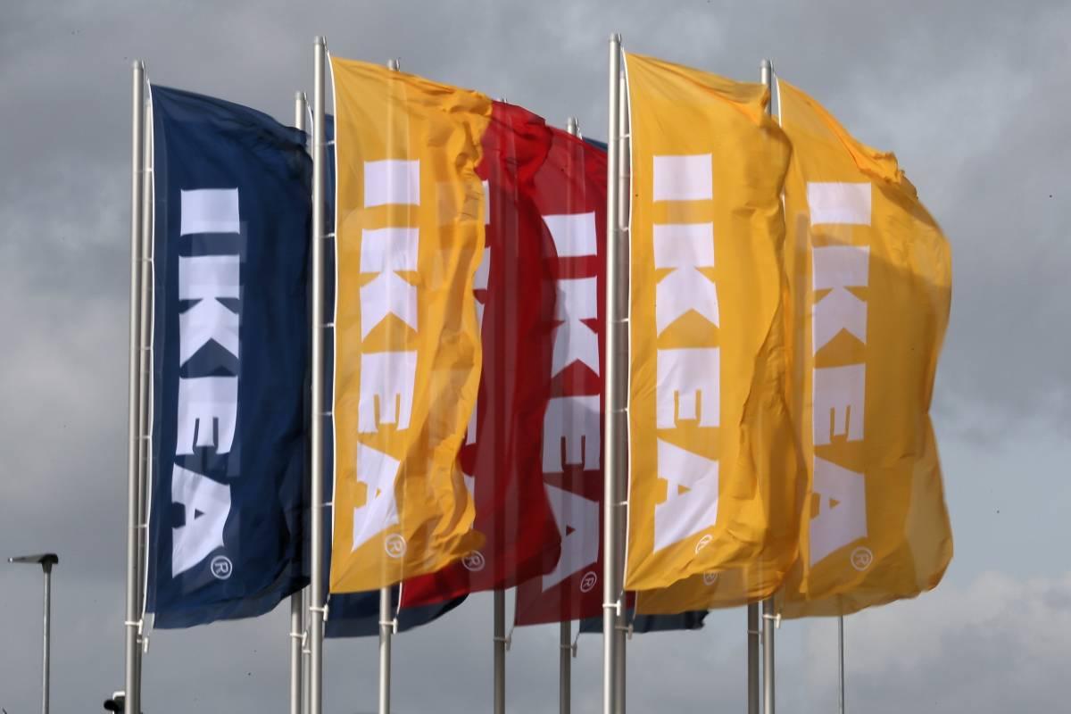 Ikea Mann Sticht 22 Jahrigen In Rucken Und Stellt Sich Polizei