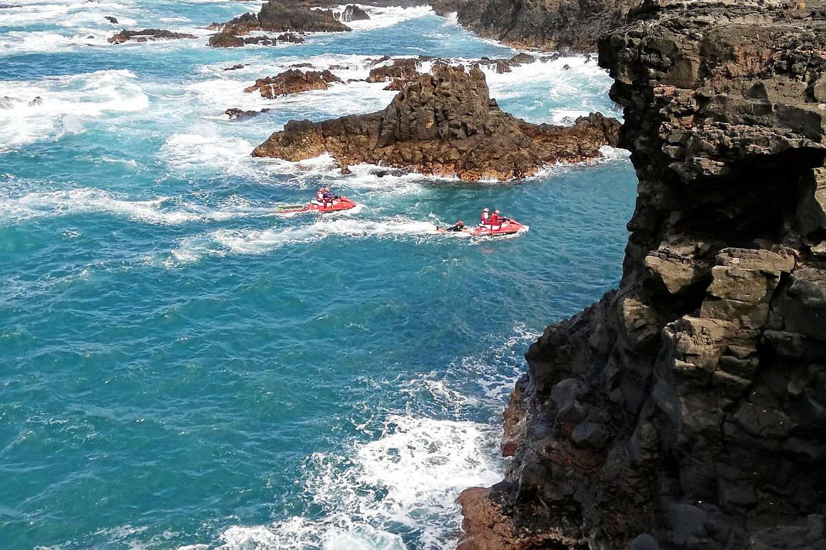 Teneriffa: Paar sitzt am Meer - dann stürzen sie in die Tiefe