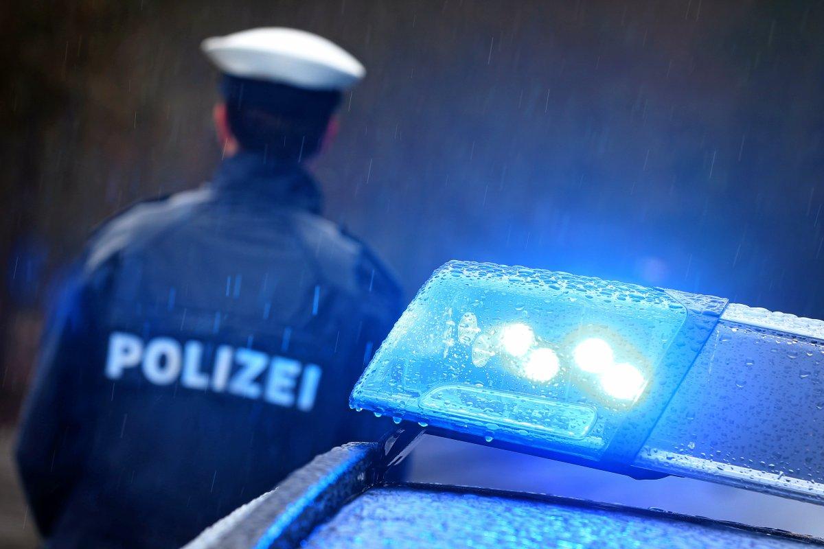 Charlottenburg: Feuer in Werkstatt - Brandstiftung vermutet