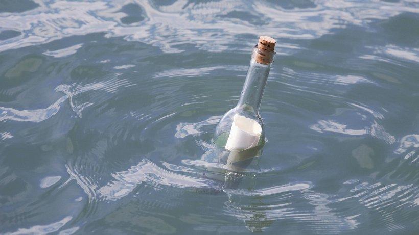 Flaschenpost von 2012 löst riesige Suchaktion im Internet aus - mit Erfolg