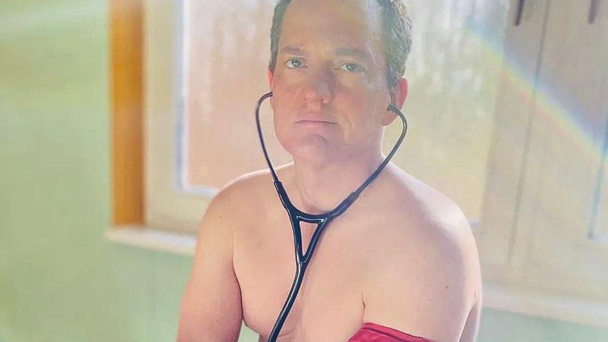 Nackt ausziehen hautarzt Muss ich