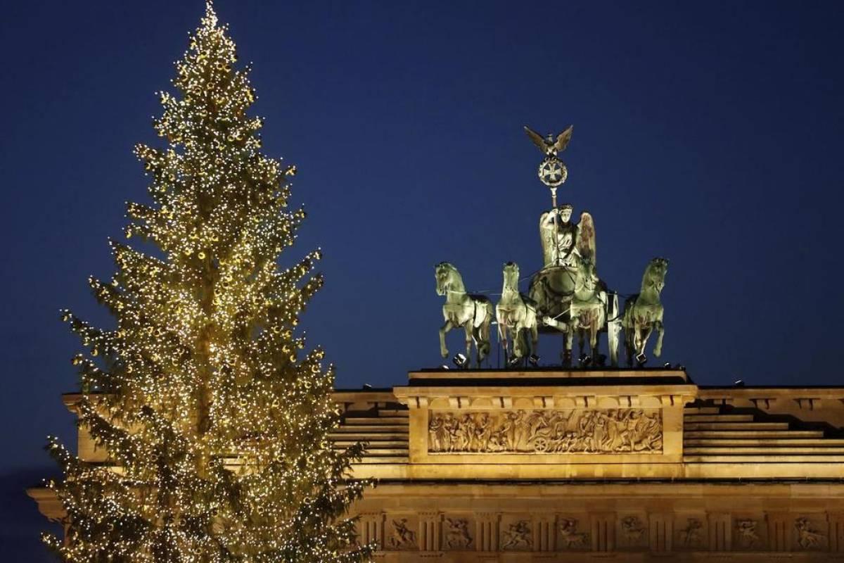 Weihnachtsgrüße Aus Berlin.Die Berliner Morgenpost Wünscht Frohe Weihnachten Video Berliner