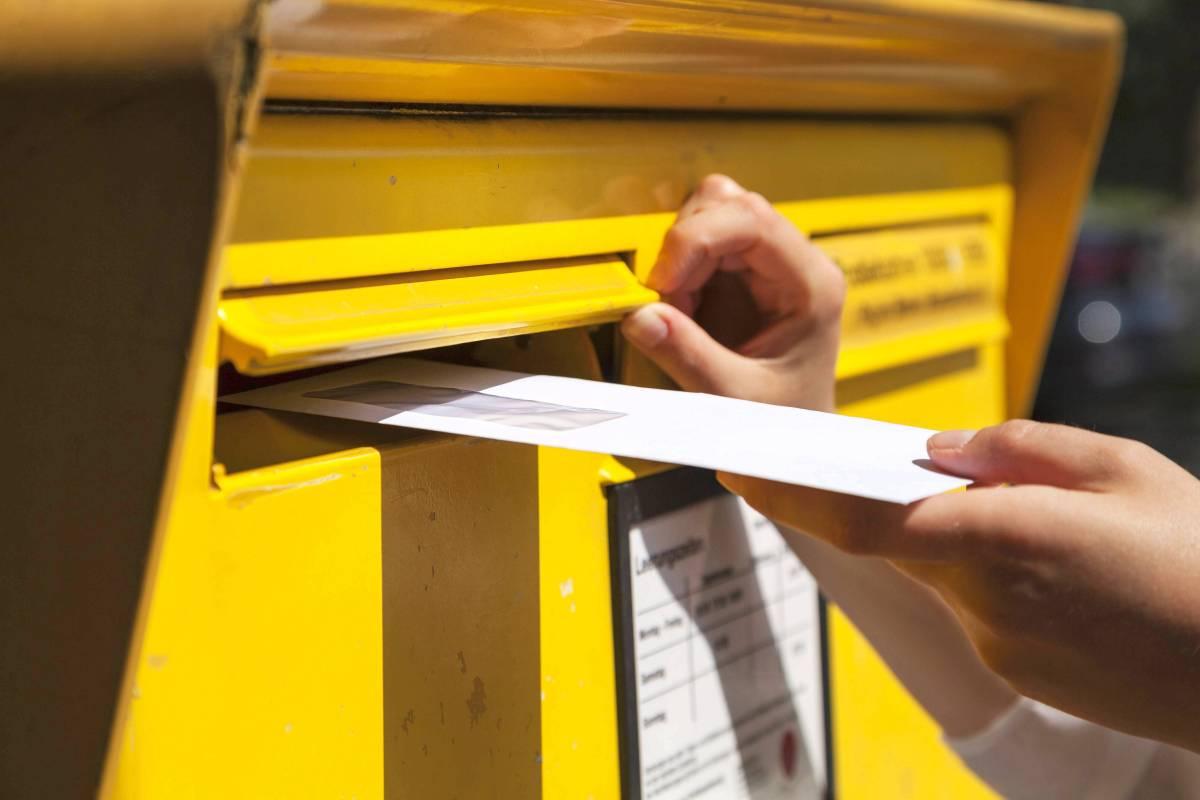 Briefporto Soll Ab 1 April Von 70 Auf 80 Cent Steigen Wirtschaft