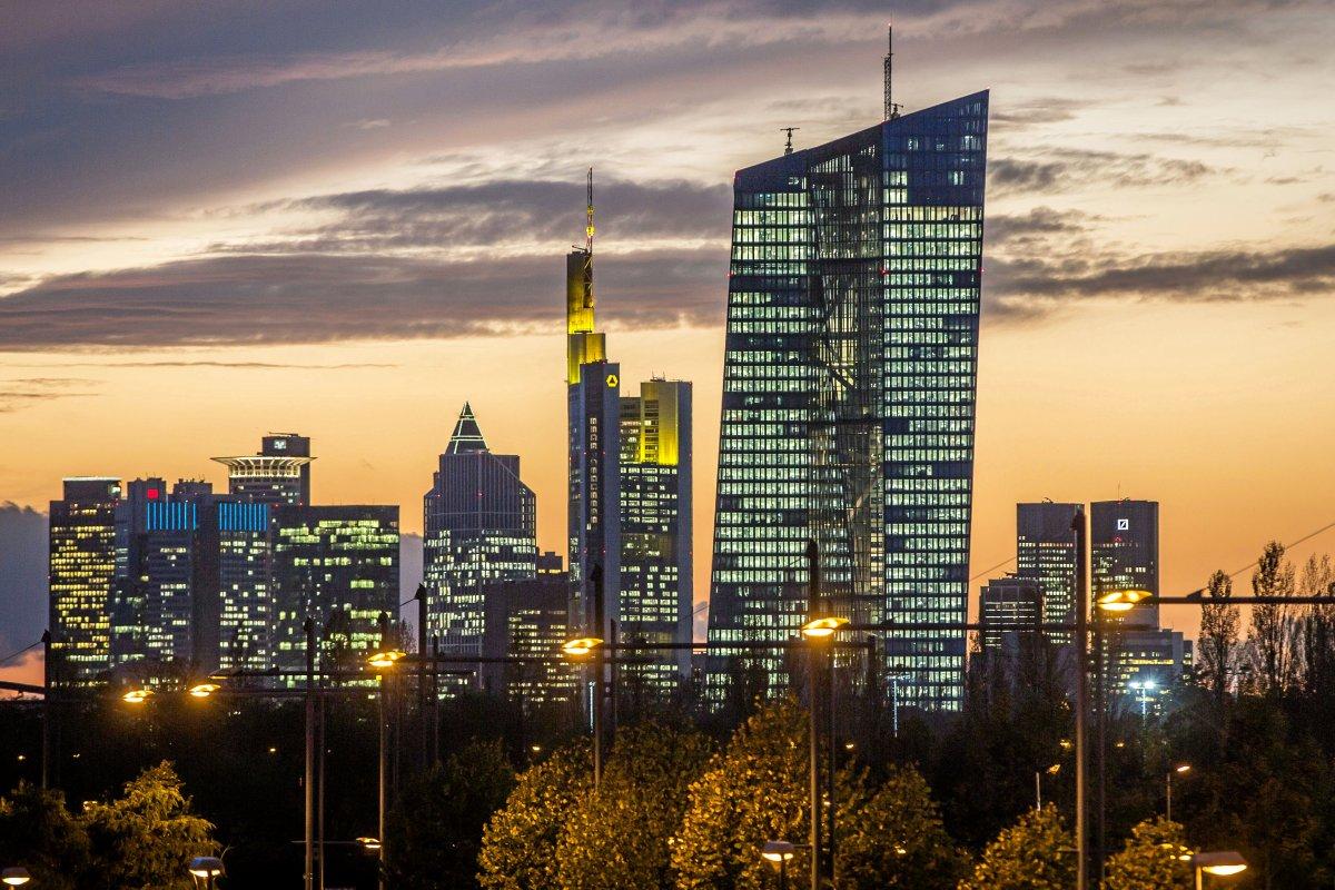 EZB: Was die neuen Strafzinsen für das Geld von Sparern bedeutet