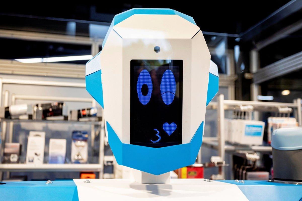 Conrad: Elektronikhändler setzt Roboter als Verkäufer ein